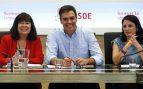 Cristina Narbona, Pedro Sánchez y Adriana Lastra