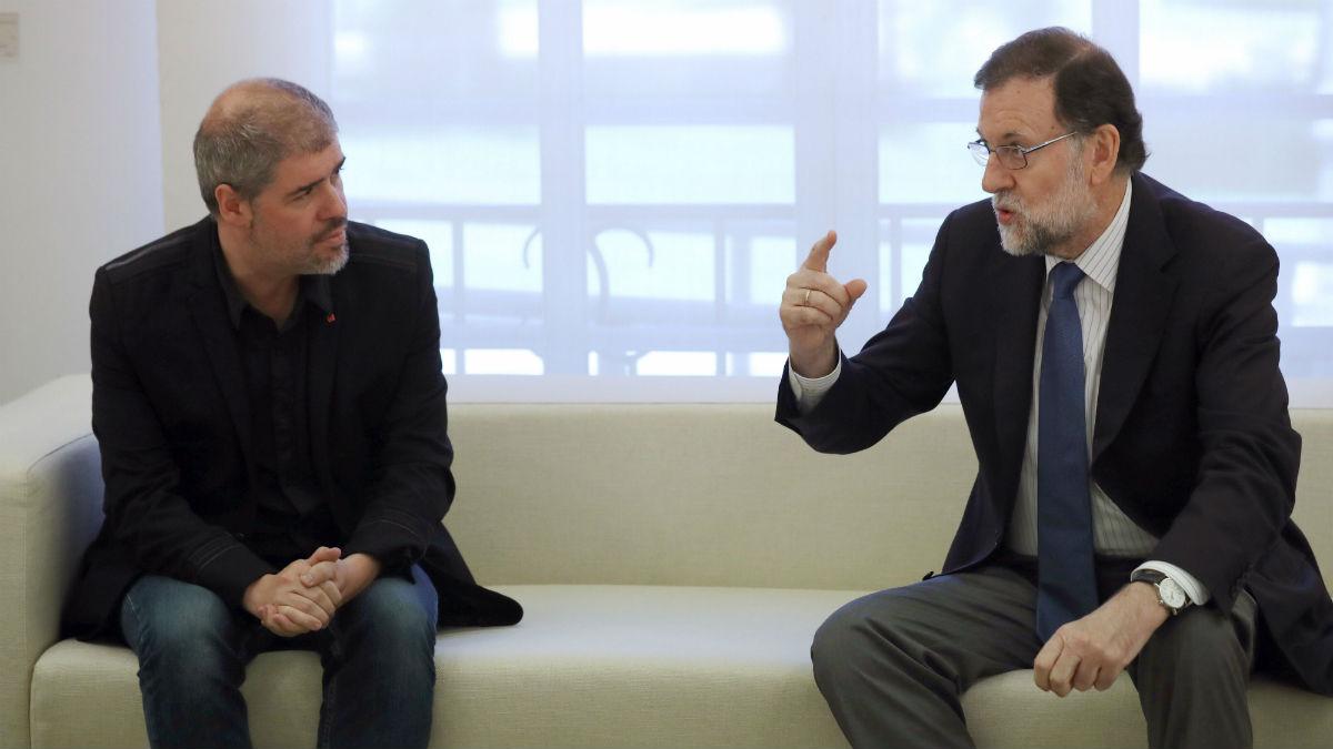 El líder de CCOO, Unai Sordo, con Mariano Rajoy (Foto: EFE).
