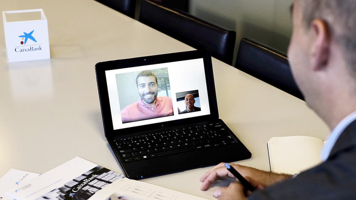 CaixaBank lanza la primera Oficina virtual del accionista para ofrecer un servicio de atención permanente a los inversores mediante videoconferencia (Foto:CaixaBank)