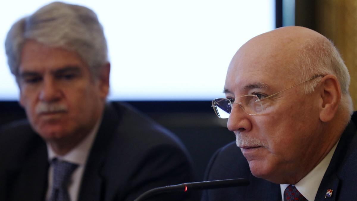 Eladio Loizaga, ministro de Exteriores de Paraguay, junto a su homólogo español, Alfonso Dastis. (EFE)