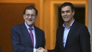 Rajoy y Sánchez, este jueves, en su encuentro en La Moncloa.