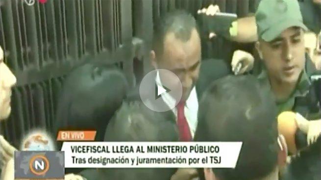 La fiscal general de Venezuela, crítica con Maduro, no deja a la vicefiscal prochavista entrar en la Fiscalía