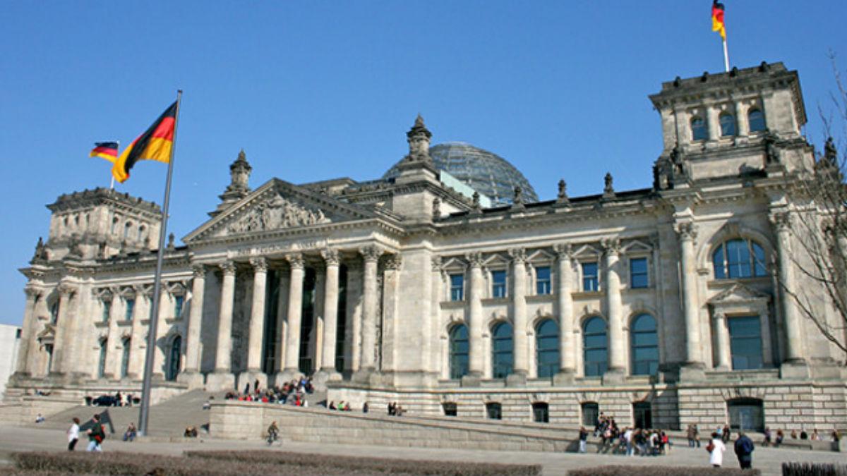 El Parlamento alemán endurece las condiciones de asilo.