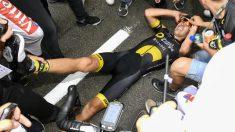 Calmejane, en la meta, ganó la etapa pero sufrió calambres. (AFP)