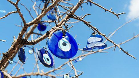 El 'nazar boncugu nedir' es un conocido amuleto contra el mal de ojo.