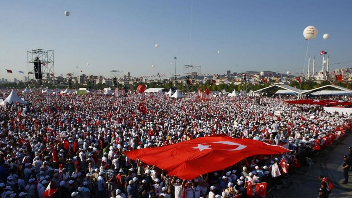 Millones de personas forman parte de una histórica marcha contra el Gobierno de Erdogan en Turquía.