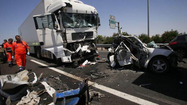 Detienen al conductor de un camión por alcoholemia tras provocar un accidente mortal en la A-4