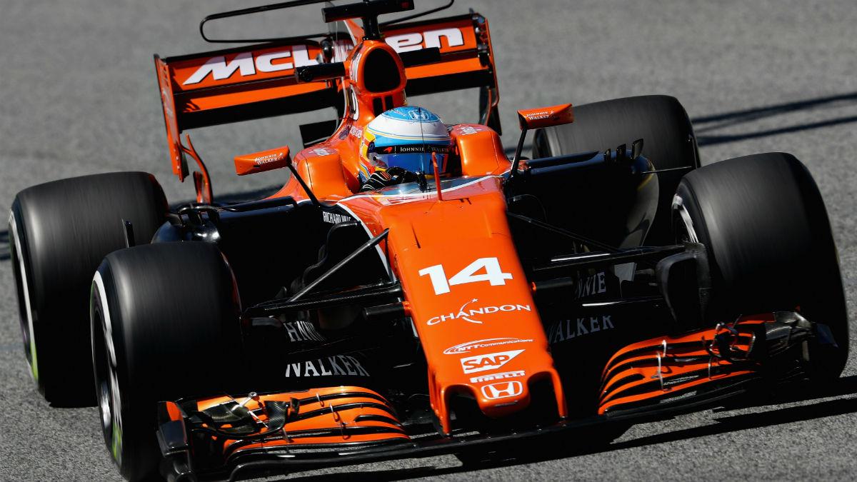 La negativa de Mercedes a dar un trato preferencial a McLaren sobre el resto de clientes podría hacer que los de Woking se viesen obligados a seguir con Honda. (Getty)