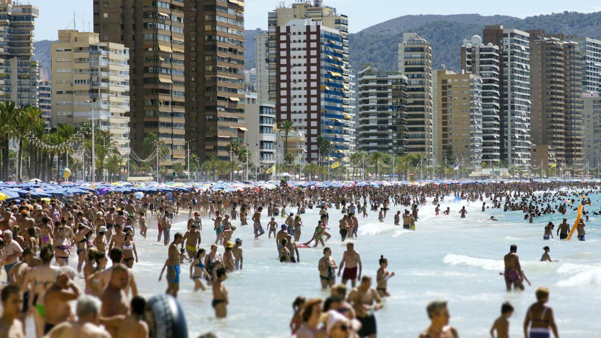 España logrará un nuevo récord turístico este año con un aumento de las llegadas del 9% (Foto:iStock)