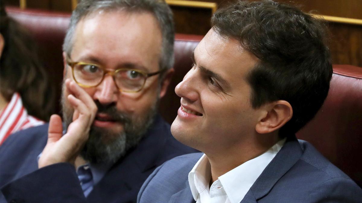 Juan Carlos Girauta y Albert Rivera. (Foto: EFE)