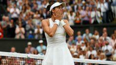 Garbiñe Muguruza tras ganar su primer Wimbledon. (Getty)