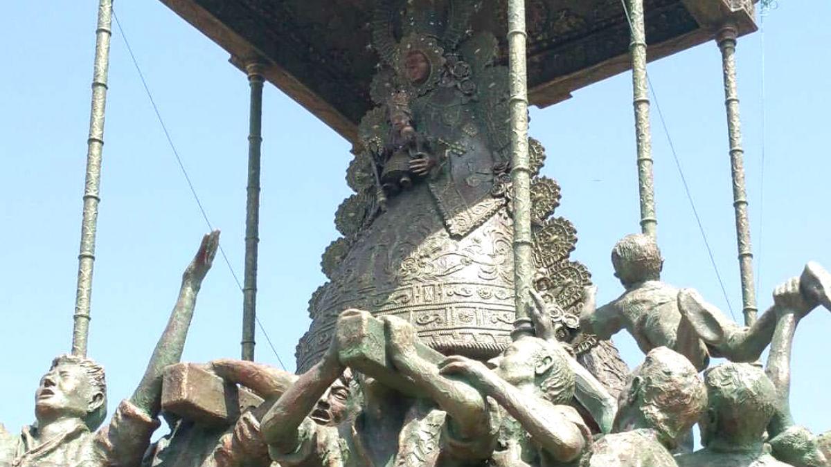 Escultura dedicada a la Virgen del Rocío, inaugurada este sábado en Sanlúcar.