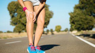 Un esguince de rodilla es una lesión frecuente en la práctica deportiva.