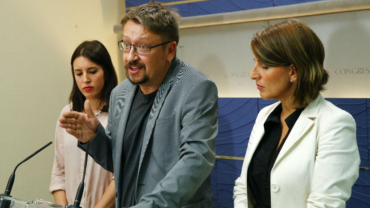 Irene Montero, Xavi Doménech y Yolanda Díaz (Foto: EFE)