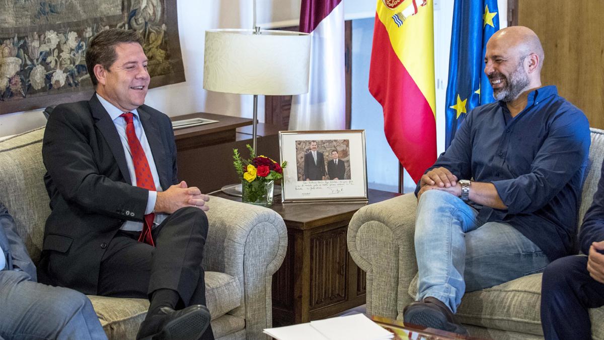 Emiliano García-Page y José García Molina. (Foto: EFE)