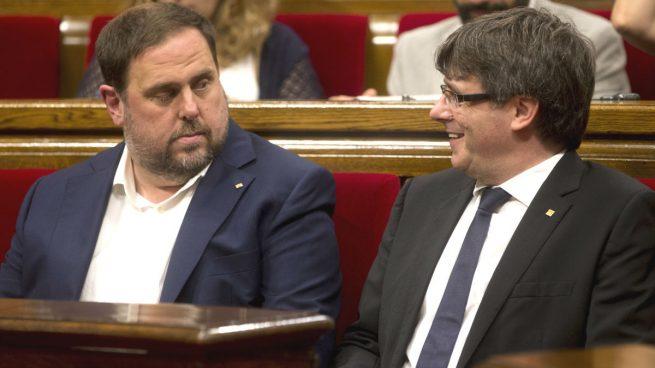 La CUP y ERC presionan a Puigdemont: quieren aprobar ya la ley que impulse la 'república' catalana