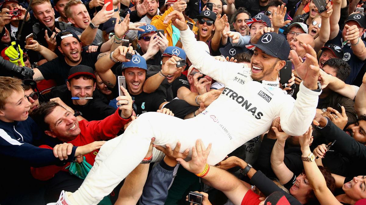 Lewis Hamilton igualó a Schumacher como el piloto con más poles de la historia.