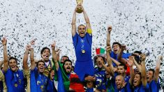 Cannavaro levanta la Copa del Mundo. (Getty)