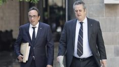 Josep Rull y Joaquim Forn. (Foto: EFE)