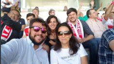 Rebeca Peral (segunda fila) y sus compañeros del PSOE de San Sebastián de los Reyes (TW)