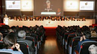 Villar preside la Asamblea General de la RFEF en una imagen de archivo. (rfef.es)
