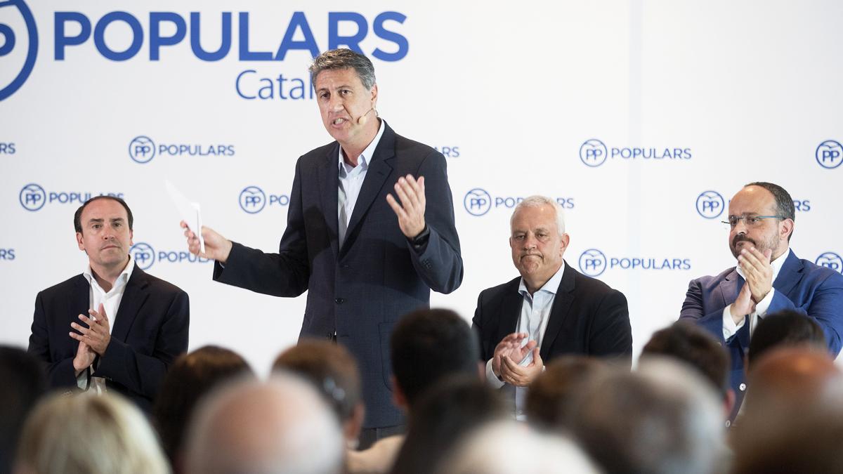 Xavier García Albiol junto a los compañeros de partido Daniel Serrano, Santi Rodríguez y Alejandro Fernández. (Foto: EFE)