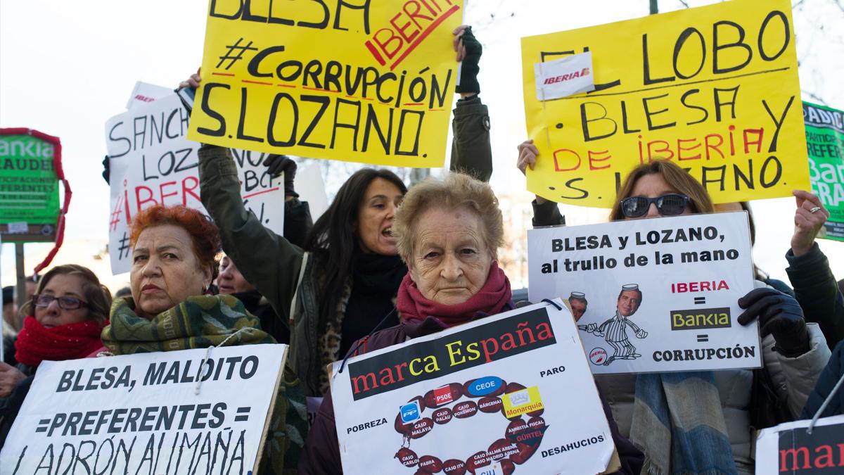 Preferentistas protestando contra Miguel Blesa. (Foto: Getty)