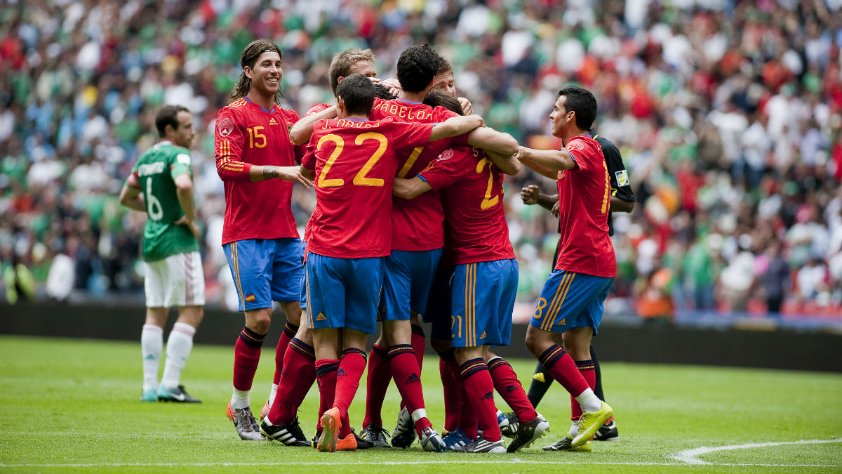 España celebra un gol ante México en 2010. (AFP)