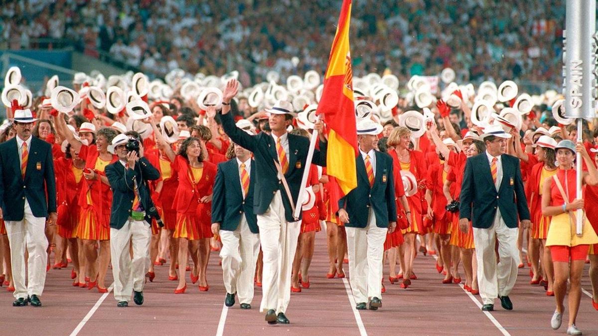 El Príncipe Felipe, hoy Rey, abanderado de España en los Juegos Olímpicos de Barcelona.