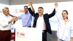 Ángel Víctor Torres tras ser elegido nuevo líder del PSOE canario (Foto: Efe).