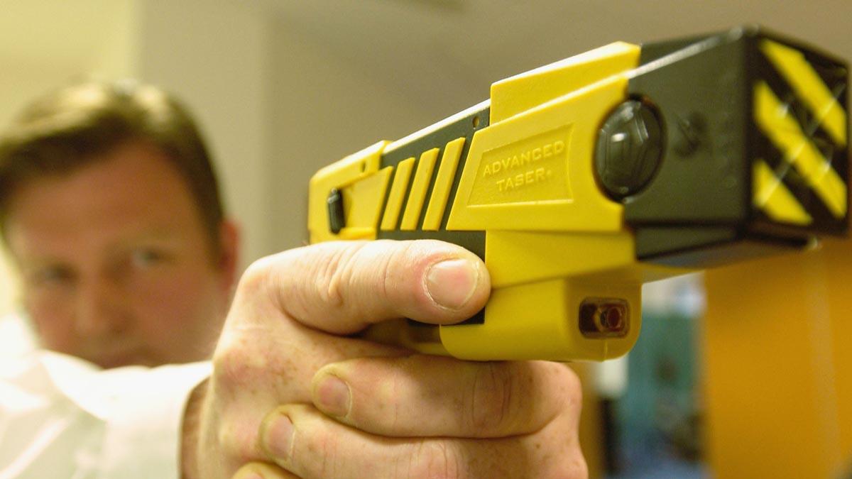 Pistola eléctrica de defensa Táser.