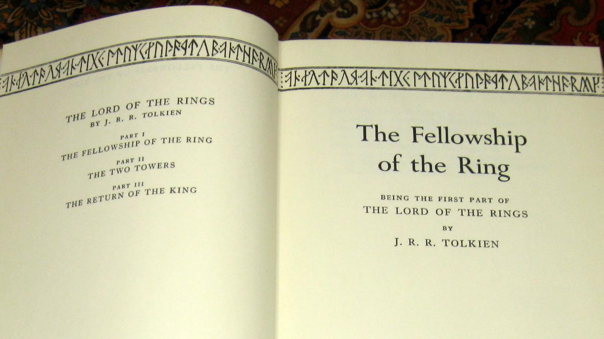 El 29 de Julio de 1954 se publica la primera edición de «La Comunidad del Anillo» de Tolkien.
