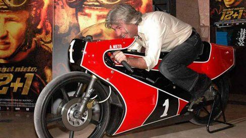 Ángel Nieto, pionero y leyenda del motociclismo español.
