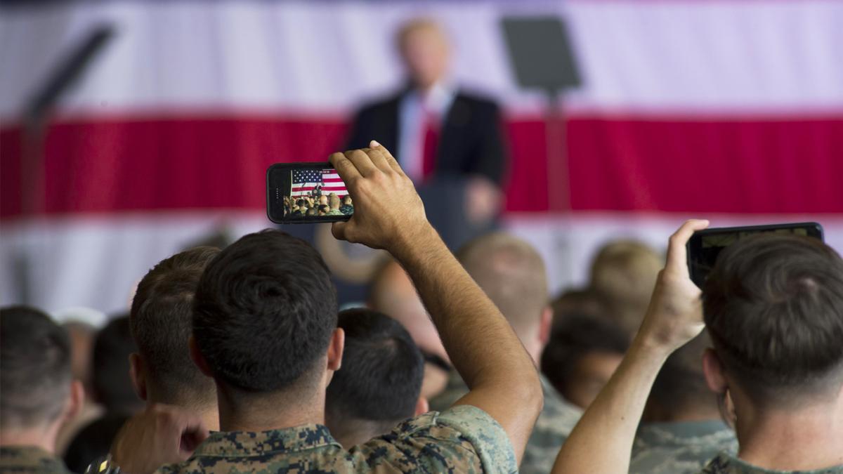 Donald Trump ante soldados de EEUU. (Foto: Getty)