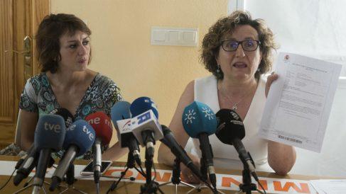 Juana Rivas con Paqui Granados (Imagen: EFE)