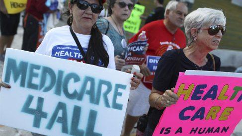 Protestas contra la reforma sanitaria de Donald Trump. (Foto: AFP)