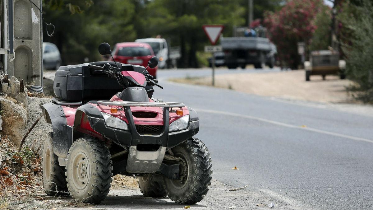 Así quedó el quad de Ángel Nieto después del accidente. (EFE)