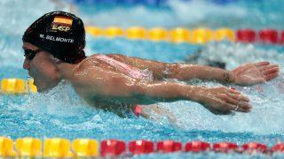Mireia Belmonte nada en una prueba de los Mundiales de Budapest. (AFP)