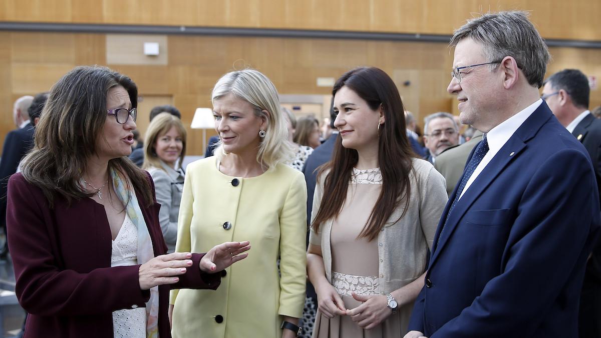 Ximo Puig, junto a la vicepresidenta, Mónica Oltra, y las conselleras de Sanidad y de Justicia.