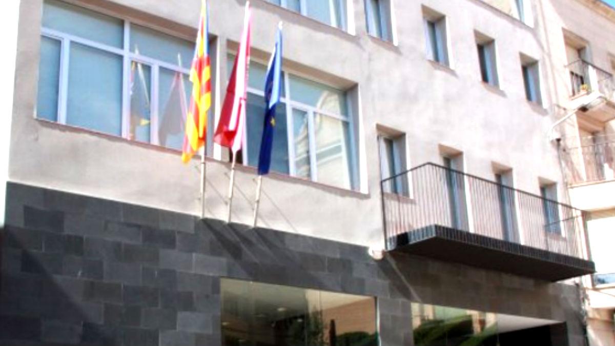 Fachada del Ayuntamiento de Alcarràs.
