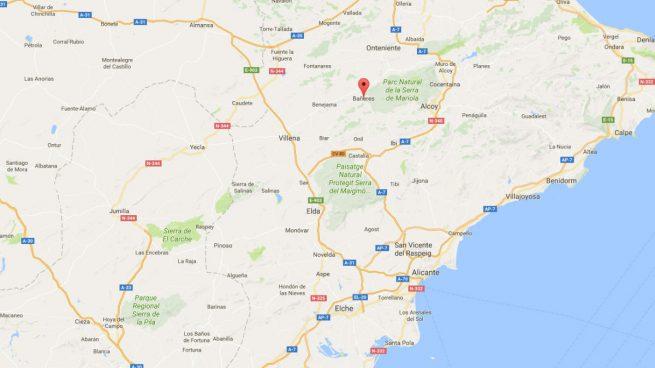 Incendio en una fábrica de Bañeres, provincia de Alicante