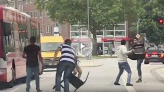 Ciudadanos de Hamburgo neutralizan al atacante armado con un cuchillo.