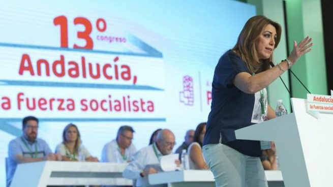 La presidenta andaluza y secretaria general del PSOE-A, Susana Díaz, durante su intervención en el 13 Congreso del PSOE Andaluz que se celebra hoy en Sevilla. Foto: EFE