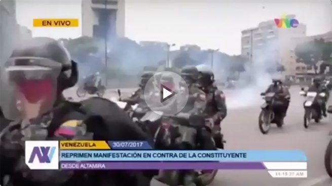 Capriles denuncia que los secuaces armados de Maduro «roban y destruyen» la mercancía de un trabajador