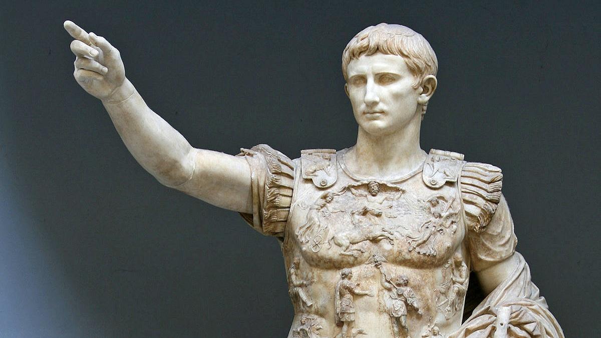 Octavio Augusto toma Alejandría al tiempo que sus enemigos Marco Antonio y Cleopatra se suicidan.