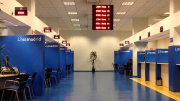 Manuela carmena remunicipaliza un servicio que obliga a - Oficinas de atencion a la ciudadania linea madrid ...