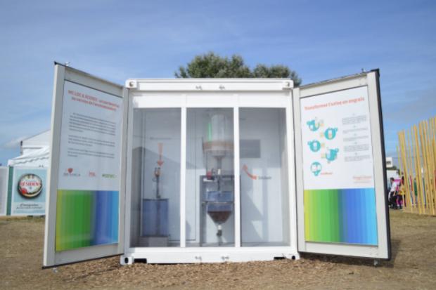 Baños especiales para reciclar la orina de los asistentes al DGTL Barcelona