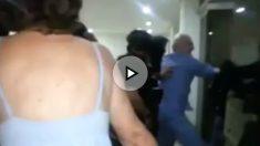 Antonio Ledesma es detenido en pijama por militares venezolanos.