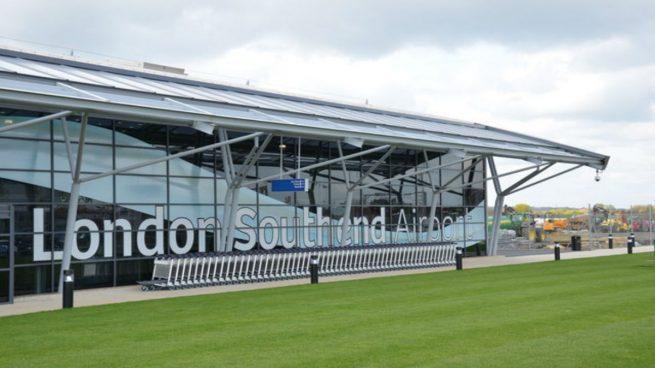 Detenido un hombre en el aeropuerto británico de Southend por planear un atentado