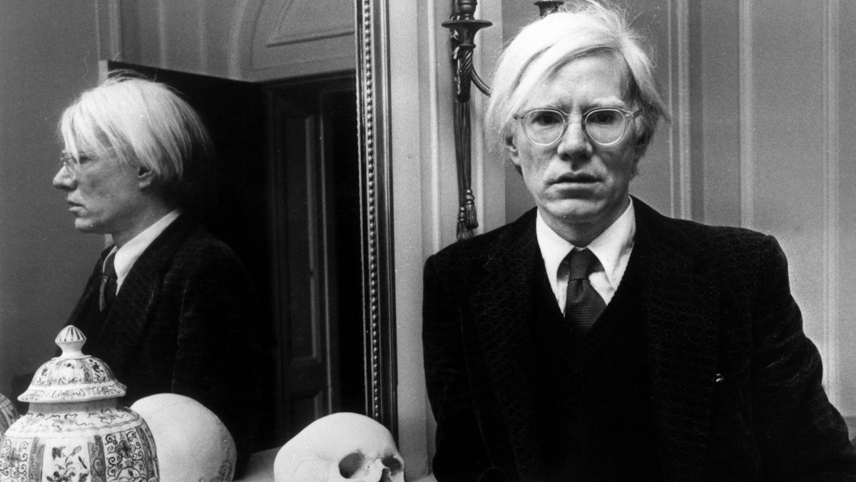 Andy Warhol fue un artista que desempeñó un papel crucial en el nacimiento del pop art.